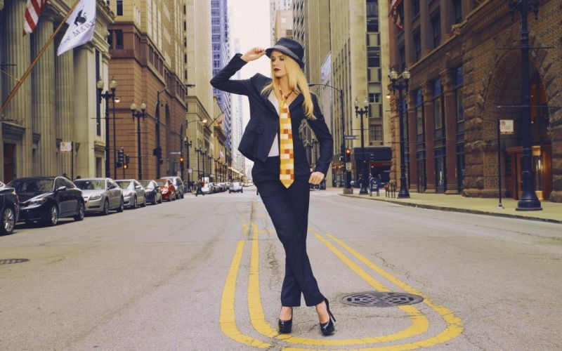 blondes women cityscapes suit models fashion New York City high heels necktie street red lips red lipstick wallpaper