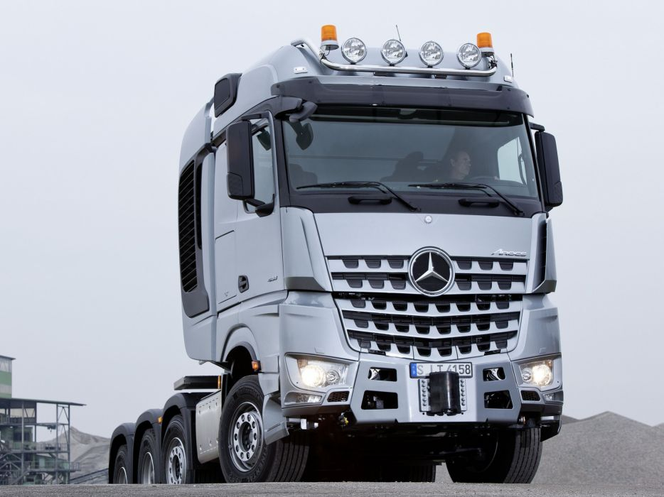2014 Mercedes Benz Arocs 4158 SLT semi tractor  g wallpaper