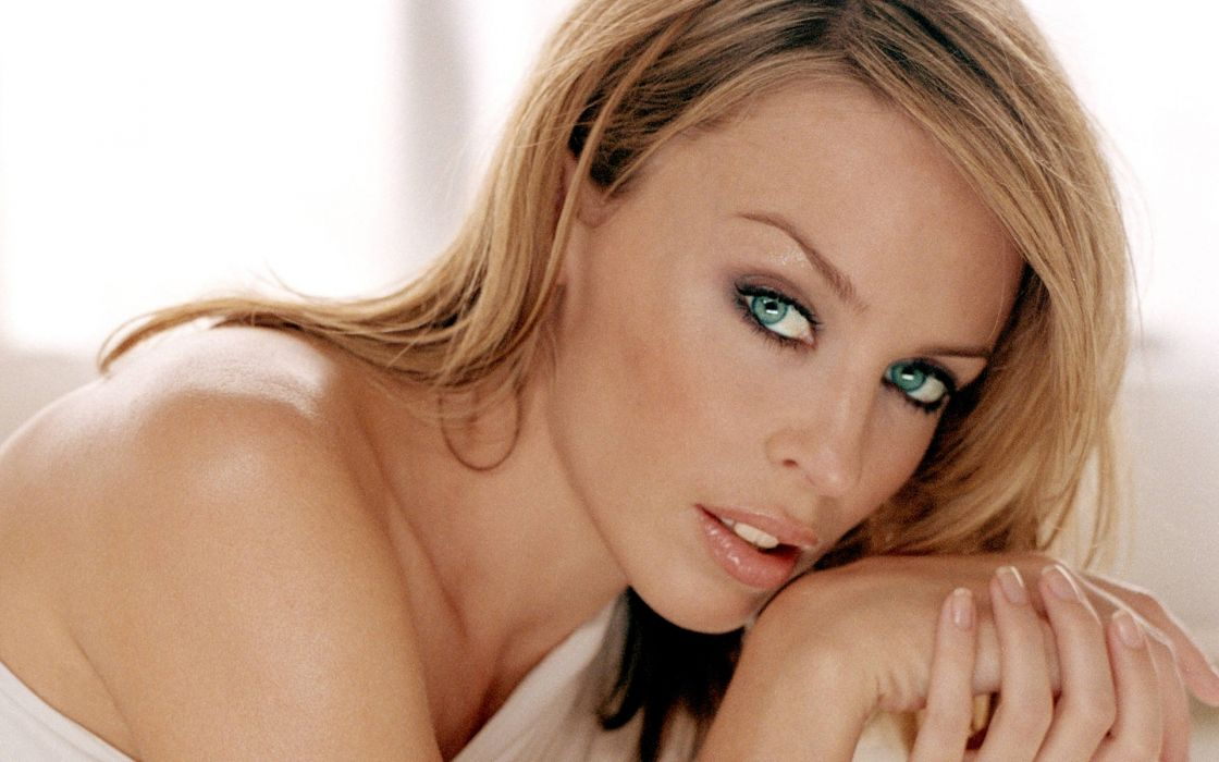 KYLIE MINOGUE pop rock electronic synthpop disco dance sexy babe blonde singer (18) wallpaper
