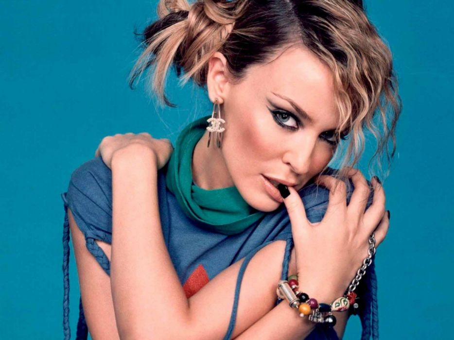 KYLIE MINOGUE pop rock electronic synthpop disco dance sexy babe blonde singer (32) wallpaper