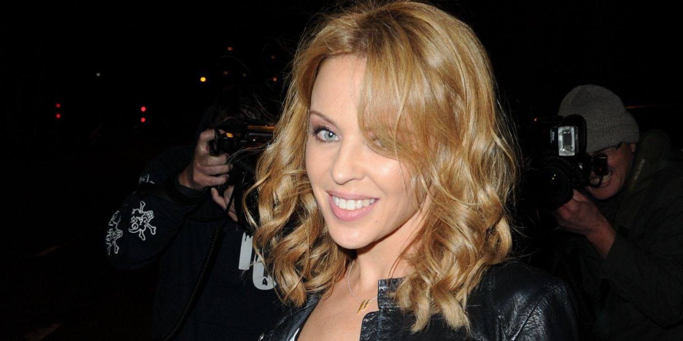 KYLIE MINOGUE pop rock electronic synthpop disco dance sexy babe blonde singer (56) wallpaper
