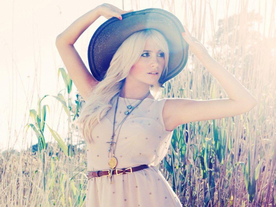 PIXIE LOTT r-b dance pop singer blonde babe (33) wallpaper