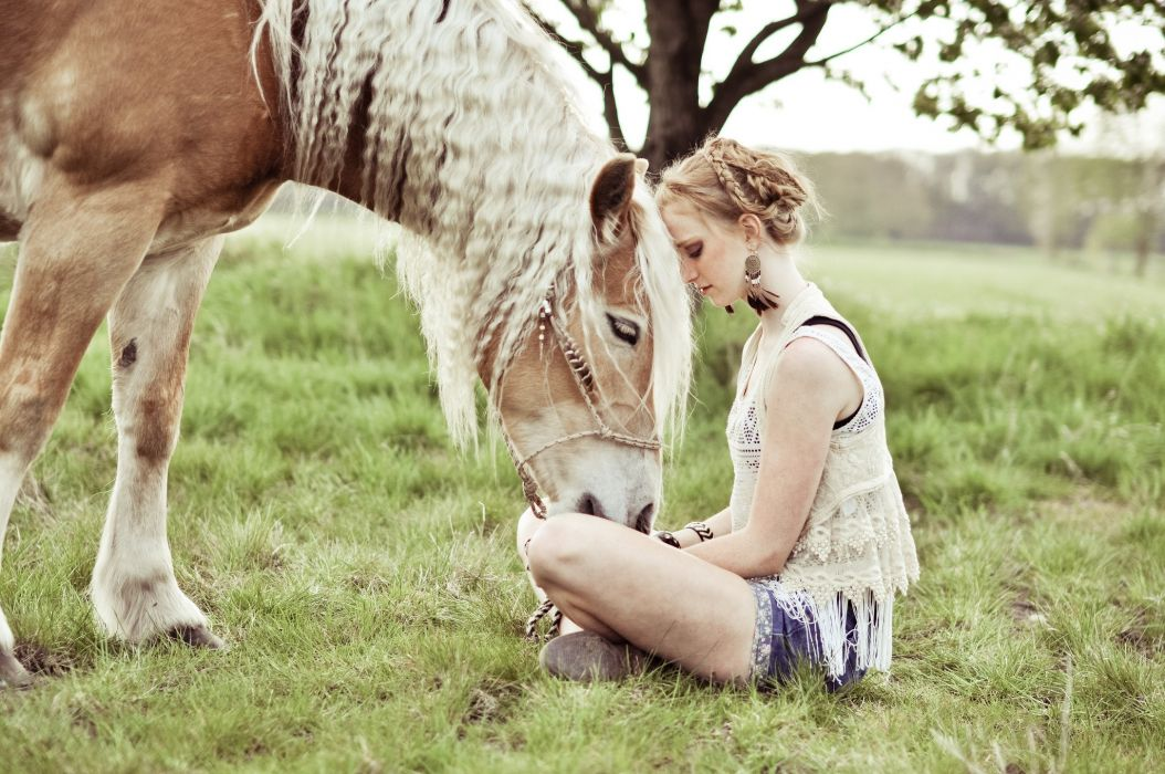 Noortje den Hartog Jager horse mood model blonde babe wallpaper