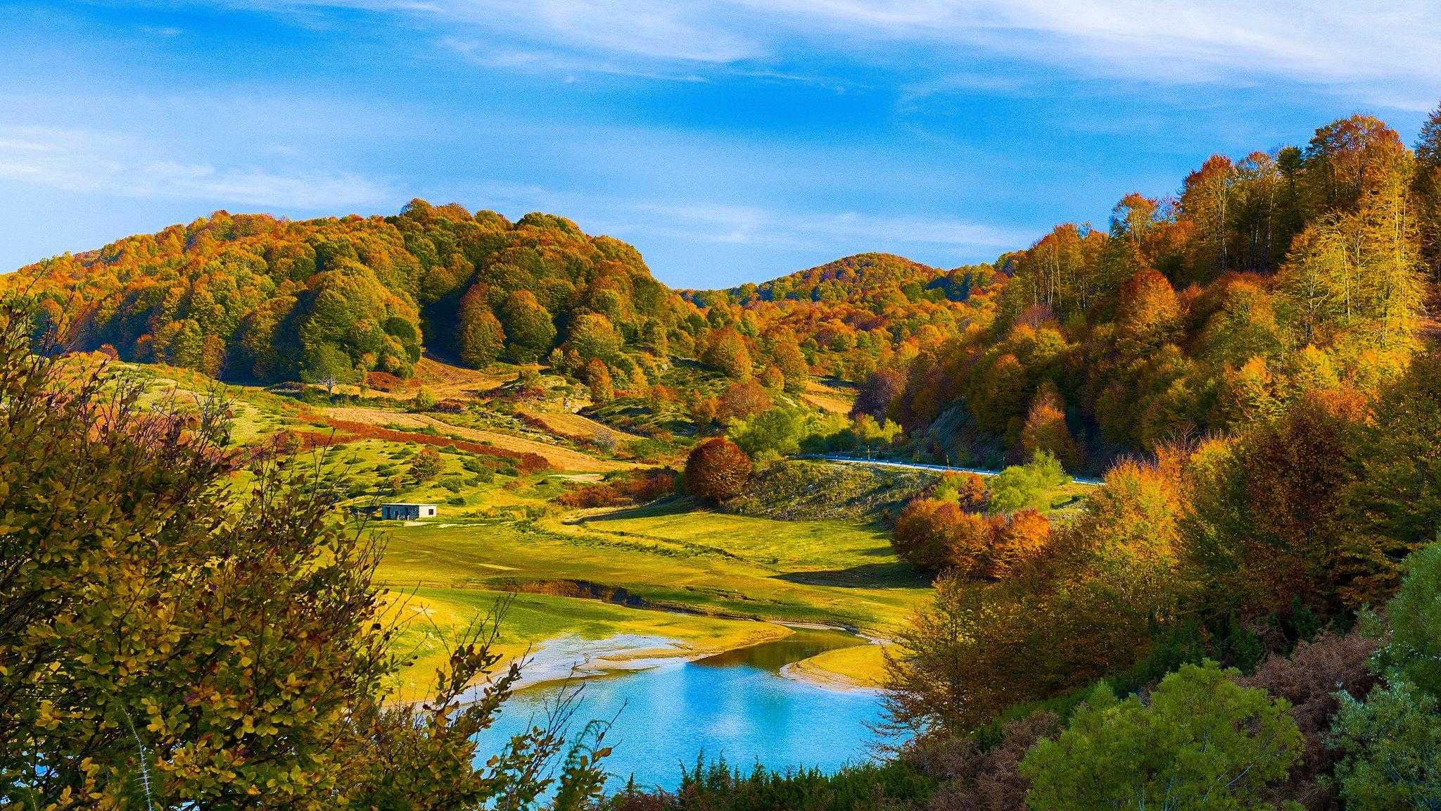 Autumn Colors Forest Hills Lake Autumn Wallpaper 2048x1152 247265