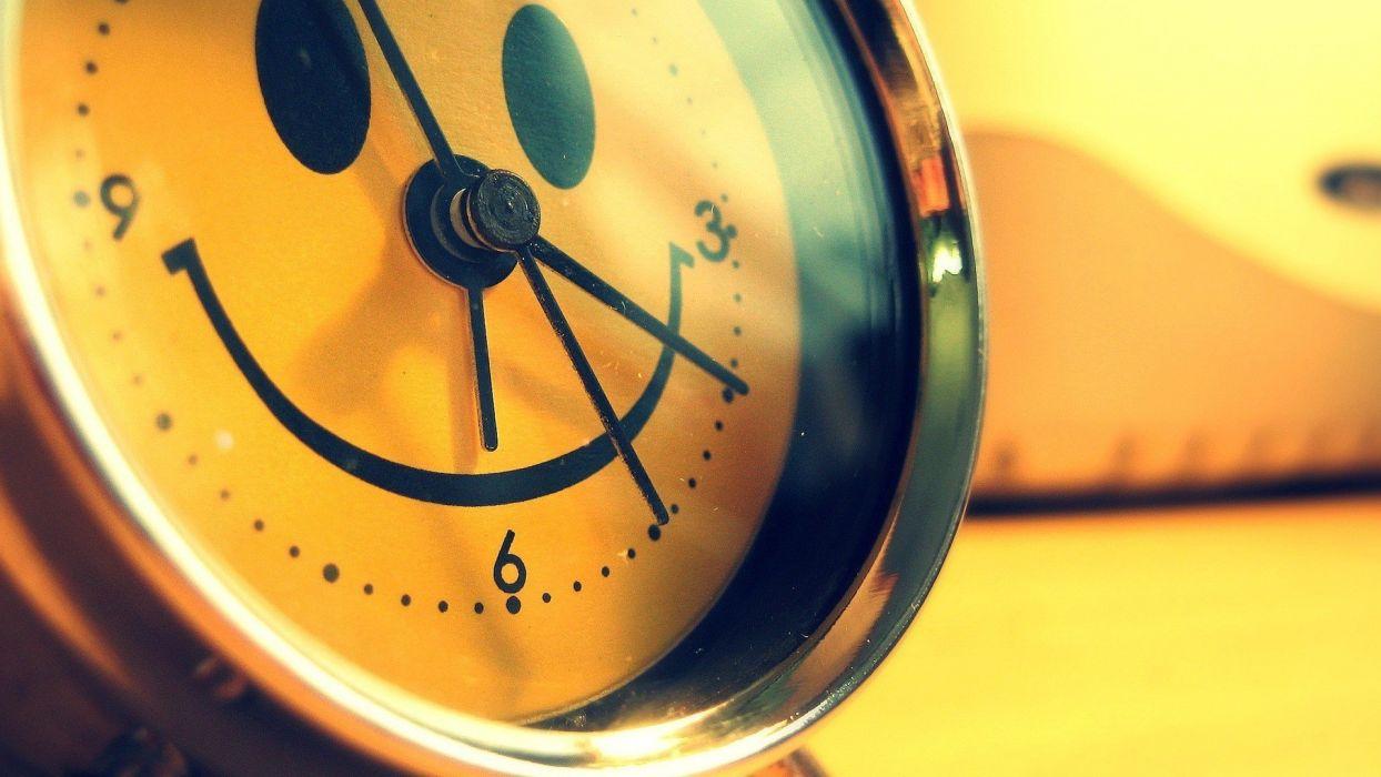 Smiling Wallpapers ile ilgili görsel sonucu