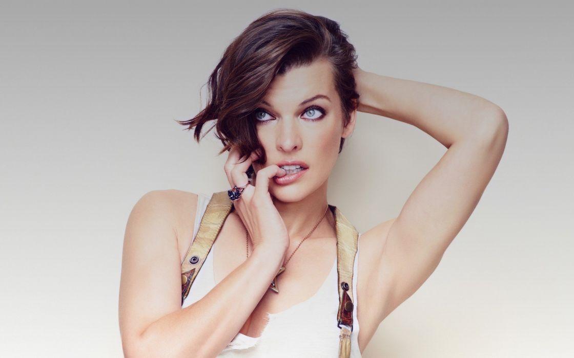 brunettes women actress Milla Jovovich simple background Cosmopolitan magazine wallpaper
