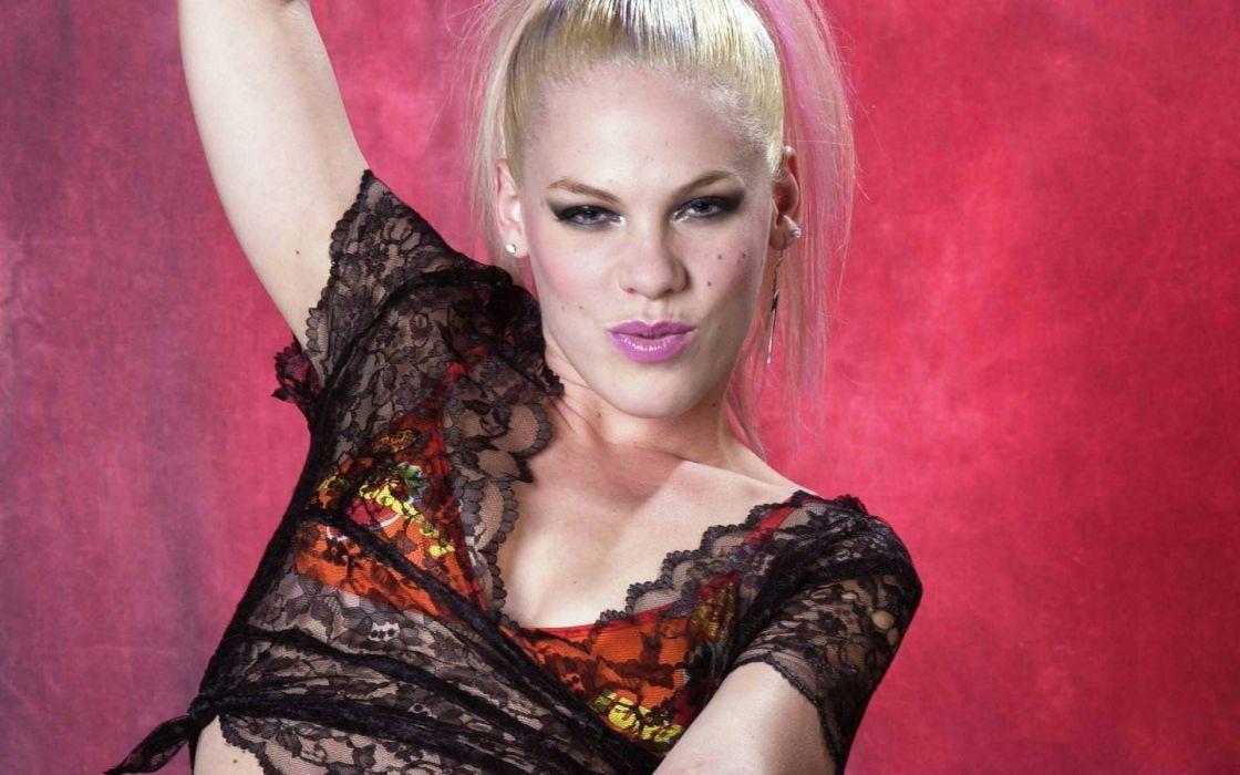 PINK alecia beth moore pop rock r-b singer babe blonde sexy (3) wallpaper