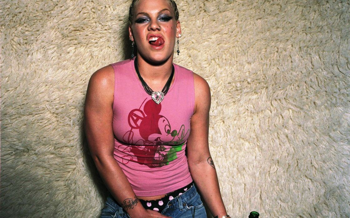 PINK alecia beth moore pop rock r-b singer babe blonde sexy (8) wallpaper