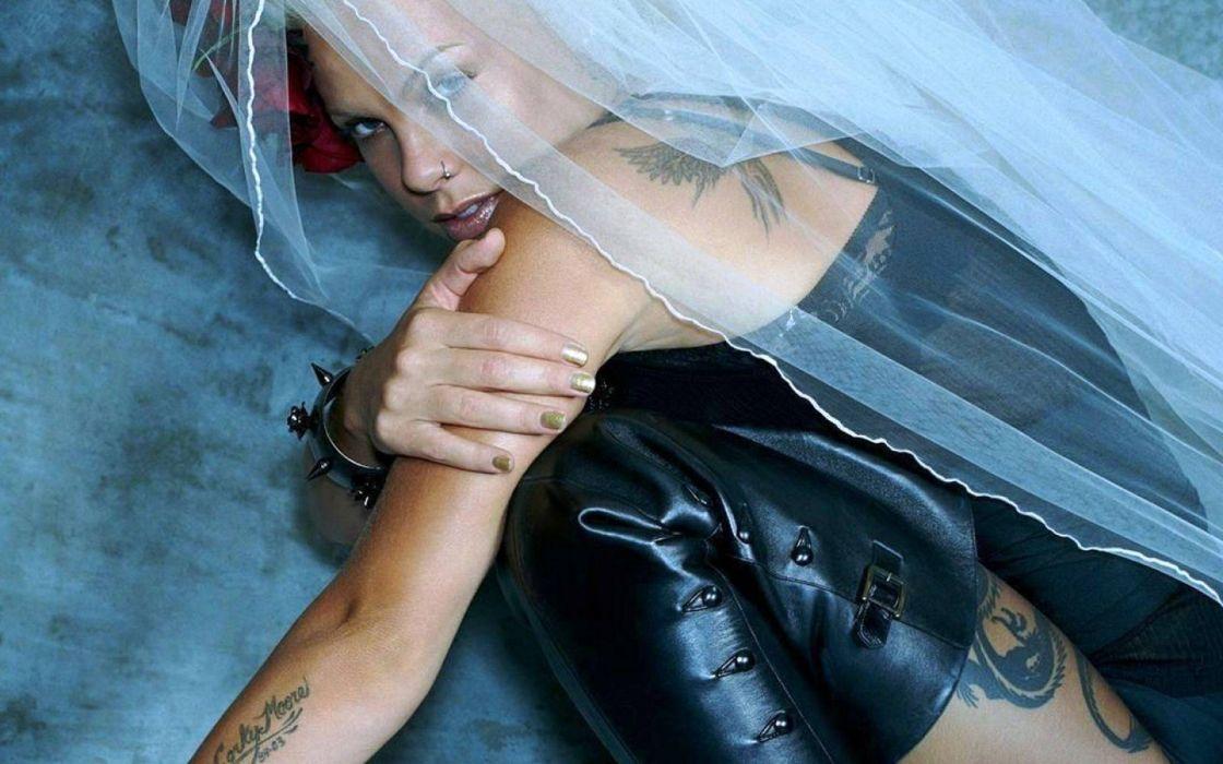 PINK alecia beth moore pop rock r-b singer babe blonde sexy (11) wallpaper