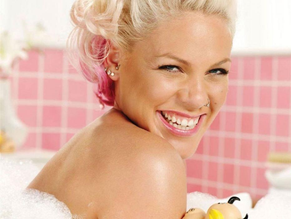 PINK alecia beth moore pop rock r-b singer babe blonde sexy (26) wallpaper