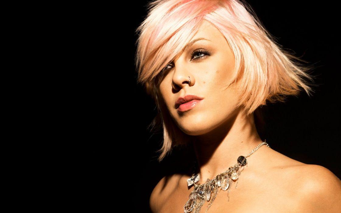 PINK alecia beth moore pop rock r-b singer babe blonde sexy (30) wallpaper