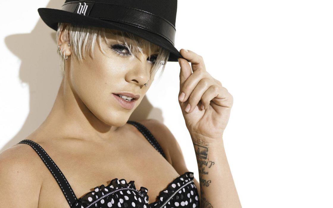 PINK alecia beth moore pop rock r-b singer babe blonde sexy (41) wallpaper