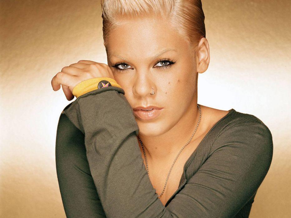 PINK alecia beth moore pop rock r-b singer babe blonde sexy (46) wallpaper