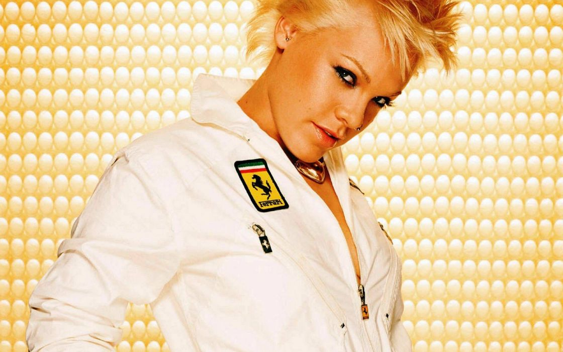 PINK alecia beth moore pop rock r-b singer babe blonde sexy (57) wallpaper