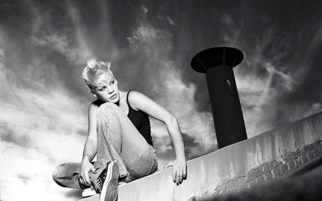 PINK alecia beth moore pop rock r-b singer babe blonde sexy (61) wallpaper