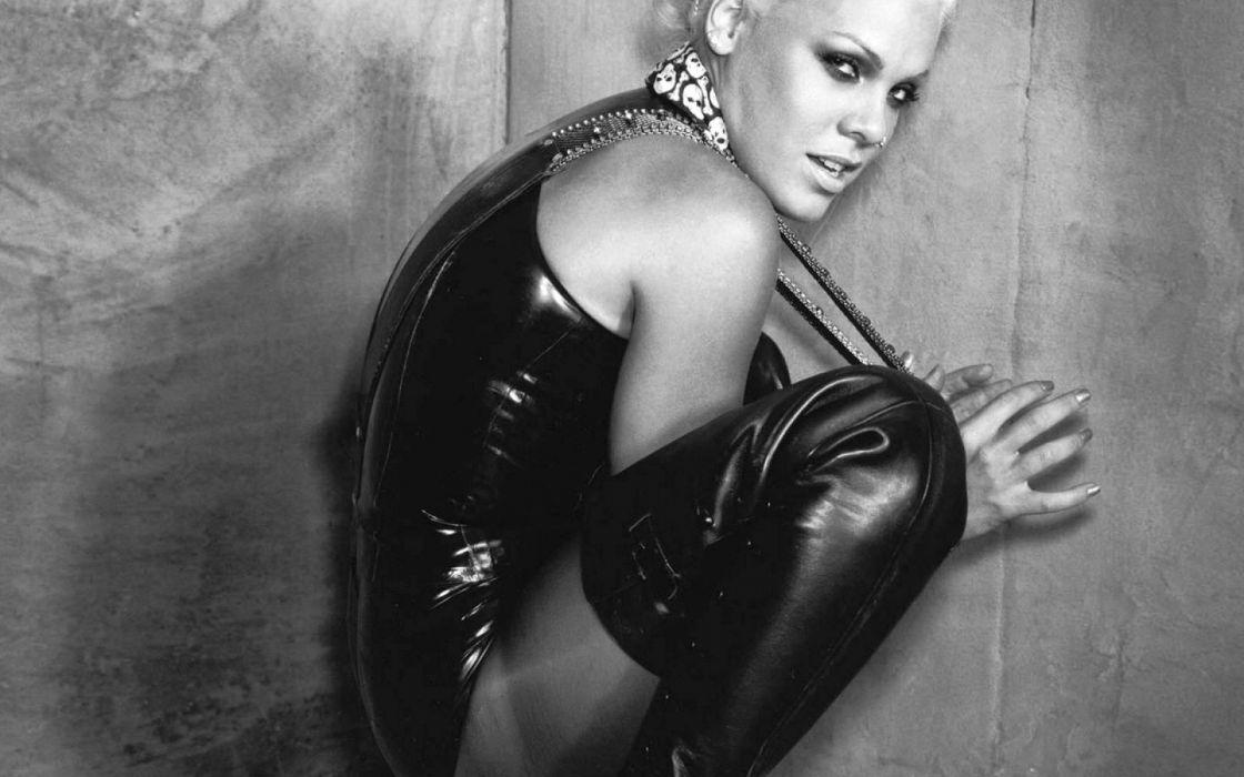 PINK alecia beth moore pop rock r-b singer babe blonde sexy (62) wallpaper