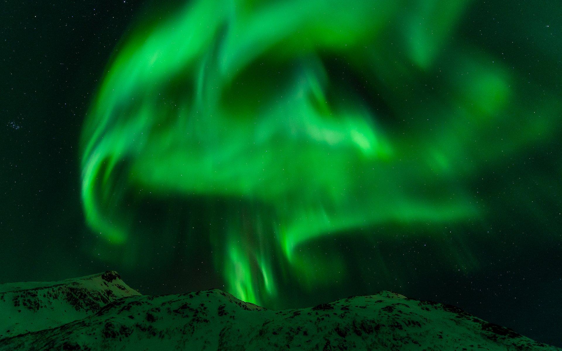 Green aurora borealis aurora borealis northern lights night green