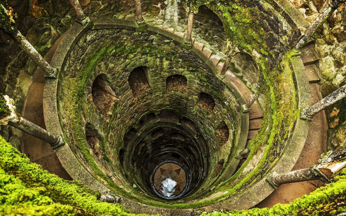 Hole Moss Green tunnel wallpaper