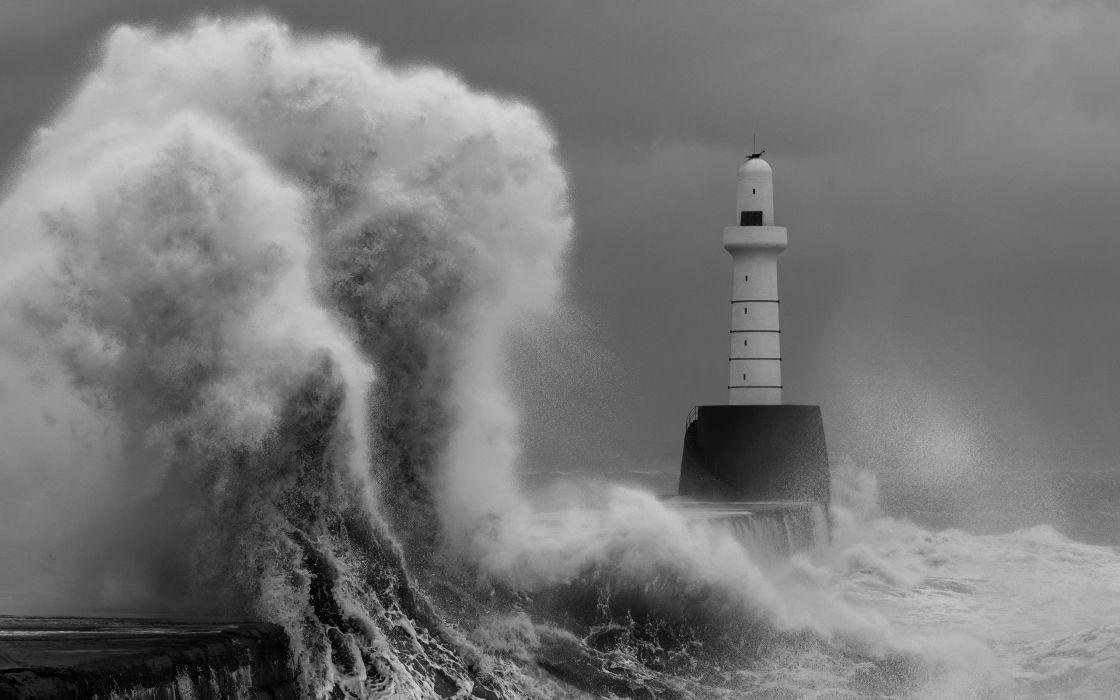 Lighthouse Splash BW Ocean Stop Action wallpaper