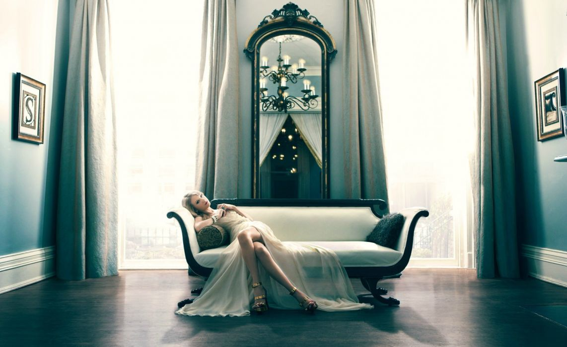 Taylor Swift Blonde Dress Couch Room wallpaper