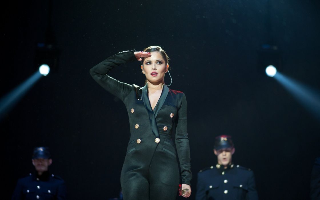 Cheryl Cole singer performance concert wallpaper