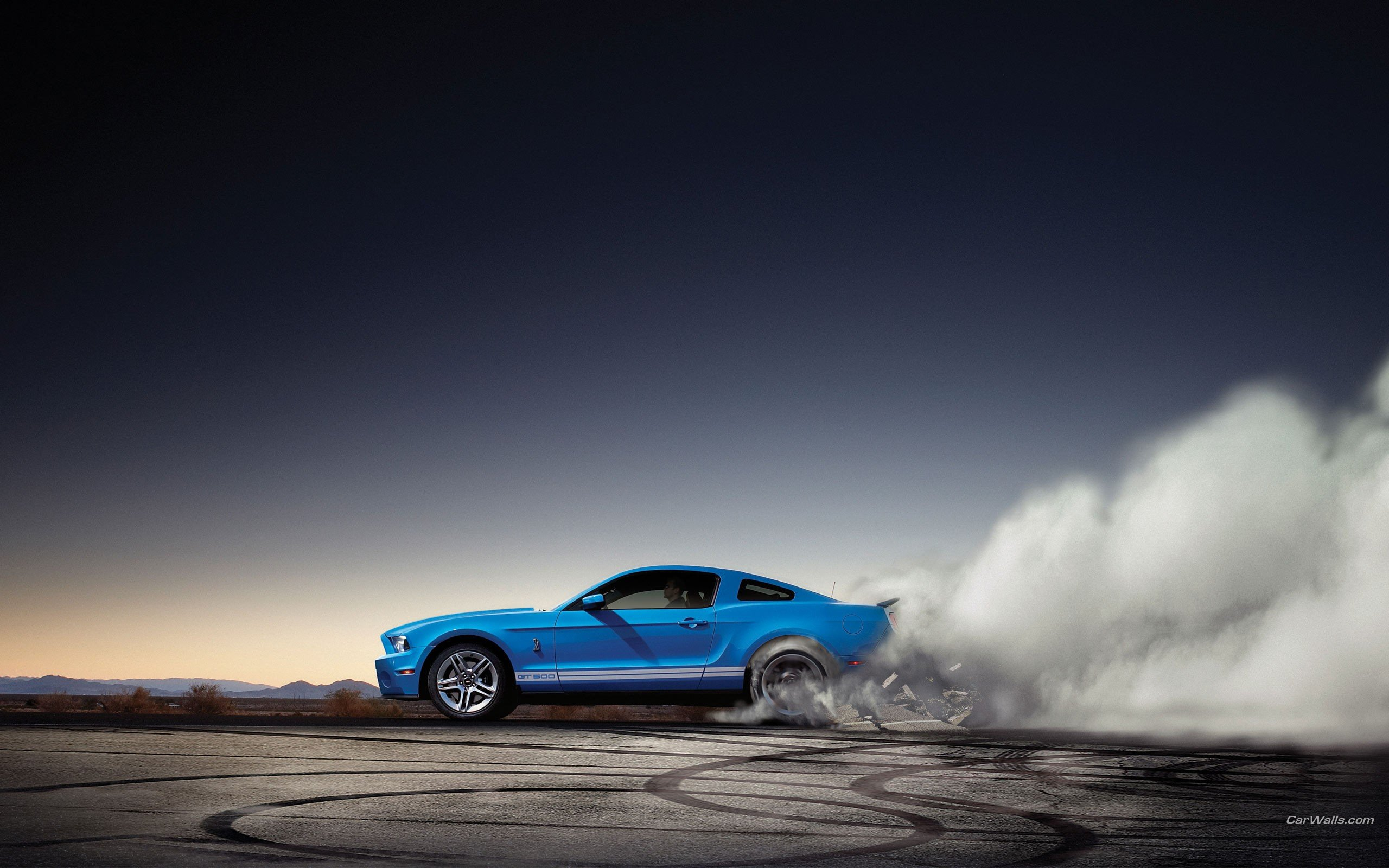 Burnout Ford Shelby Ford Mustang Shelby GT500 wallpaper