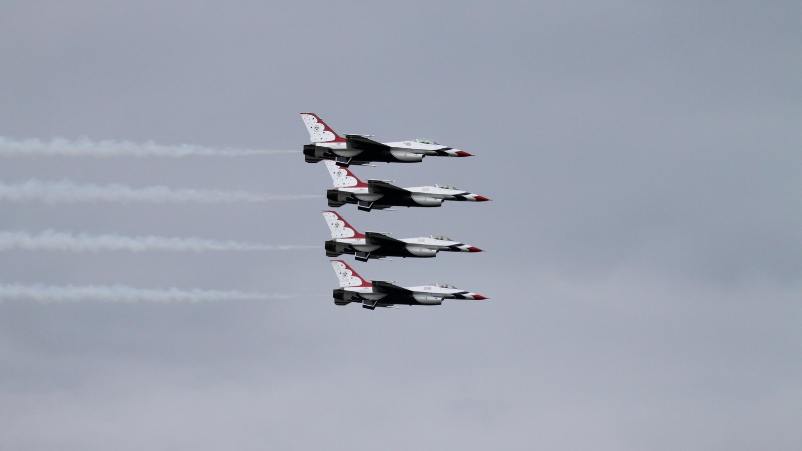 USAF Thunderbirds F16 wallpaper backgroundUsaf Iphone Wallpaper