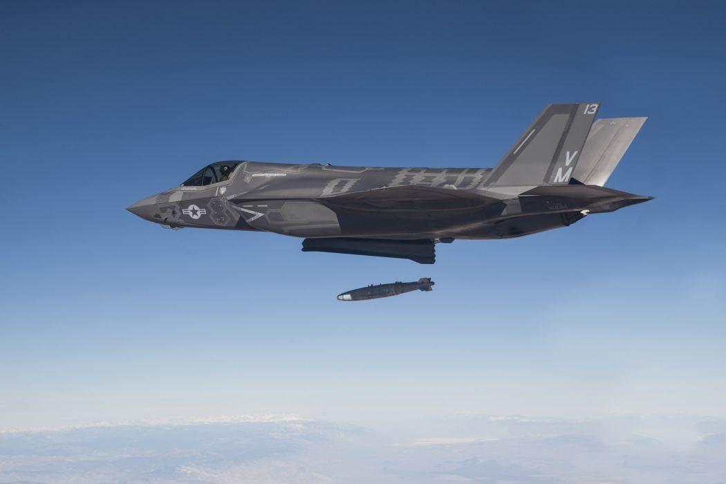 F-35 military fighter jet airplane plane lightning bomber joint (35) wallpaper