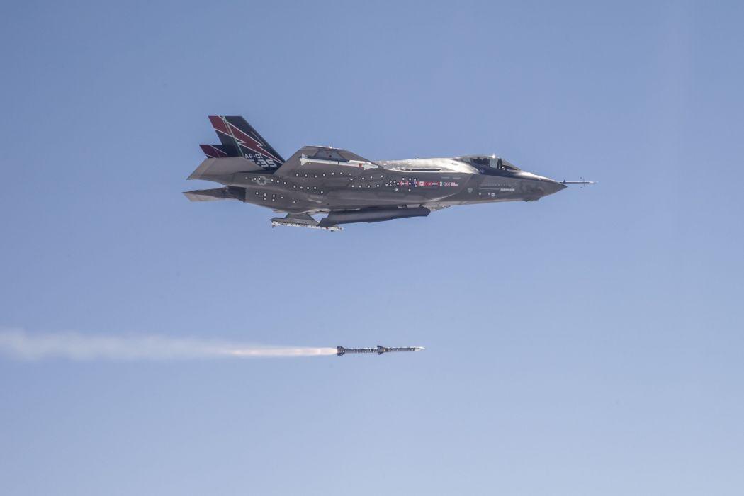 F-35 military fighter jet airplane plane lightning bomber joint (38) wallpaper