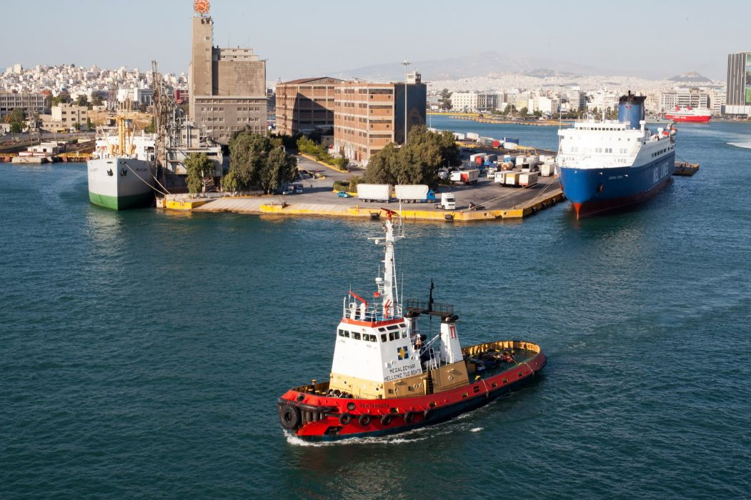 TUGBOAT ship boat tug marine (52) wallpaper