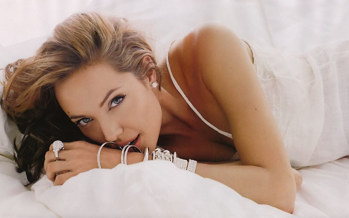 women actress Angelina Jolie wallpaper