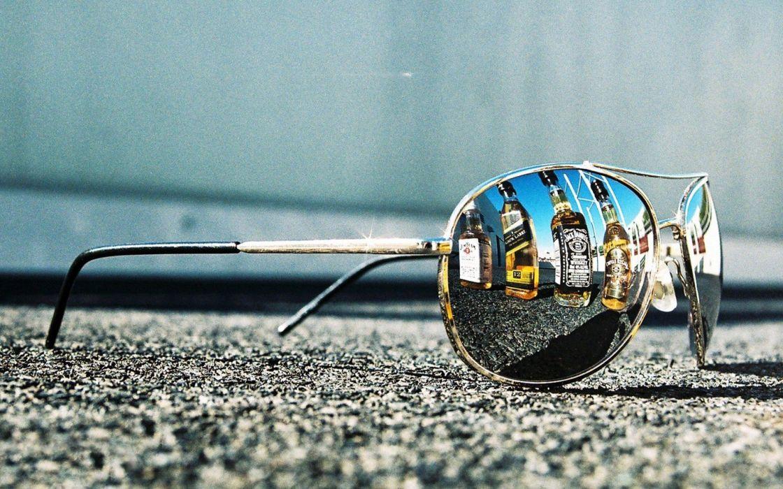 glasses alcohol macro reflections Jack Daniels wallpaper