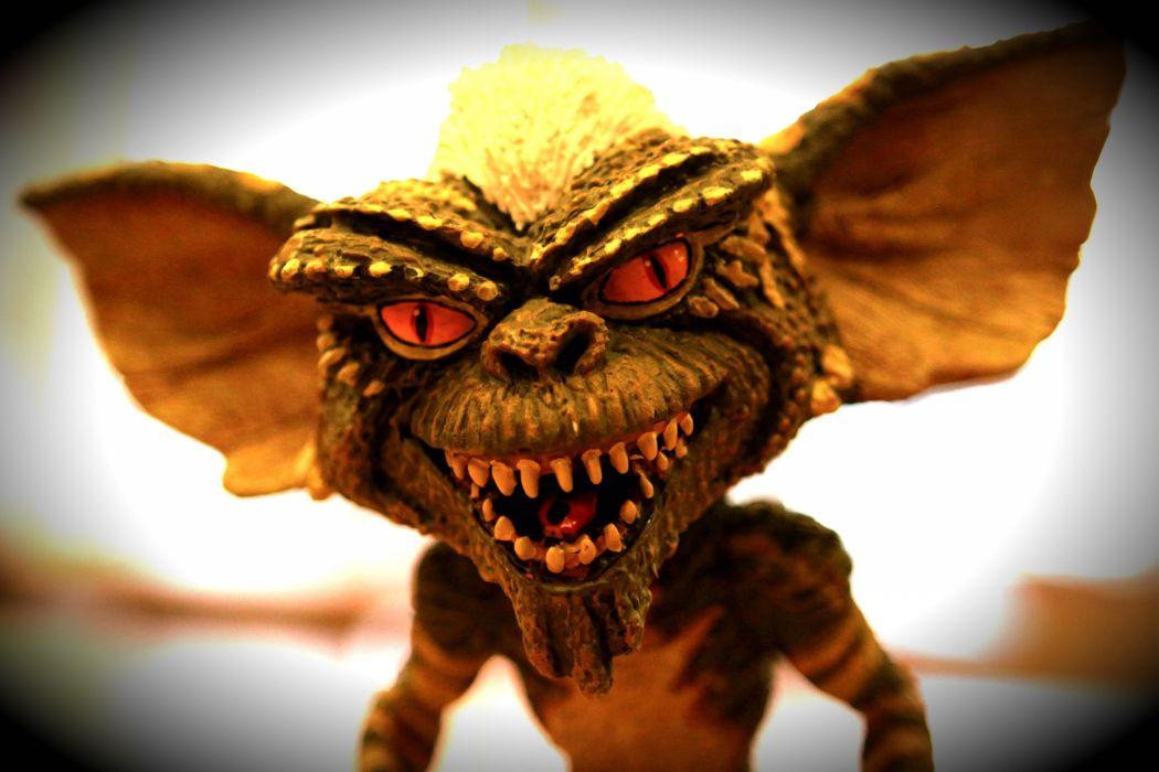 GREMLINS comedy horror creature monster alien (2) wallpaper