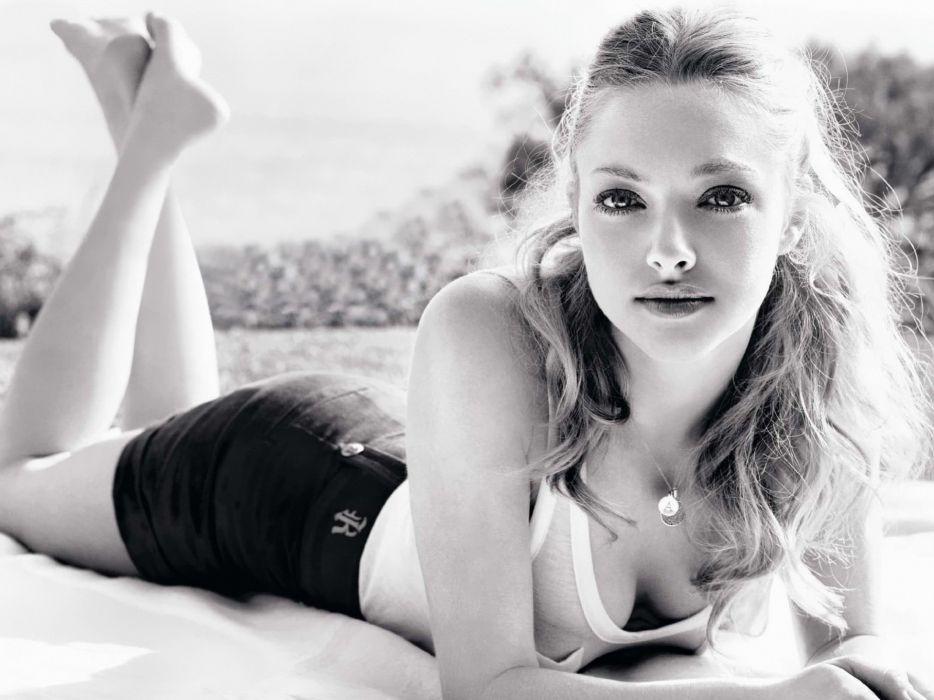women models Amanda Seyfried wallpaper