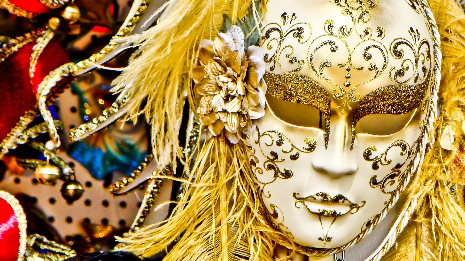 how to make a venetian carnival mask