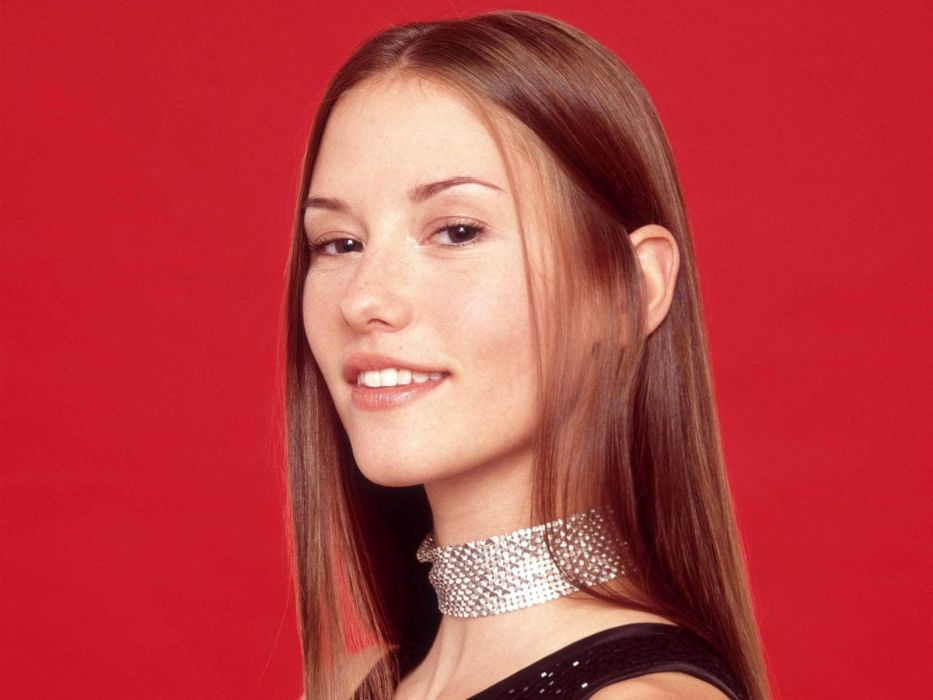 brunettes women actress Chyler Leigh simple background faces wallpaper
