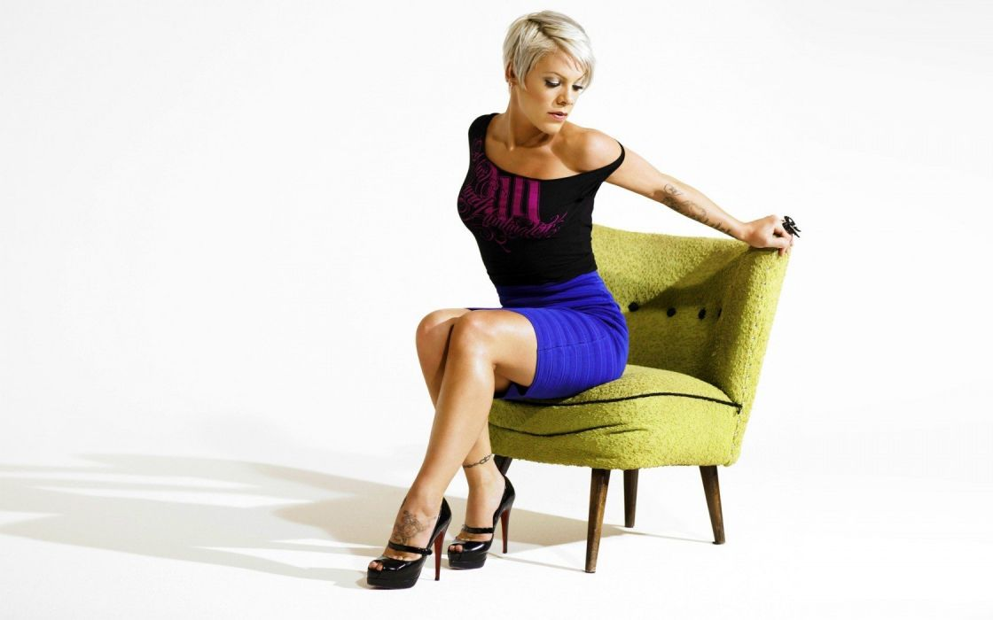 celebrity chairs P1nk wallpaper