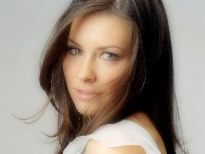 women actress Evangeline Lilly wallpaper