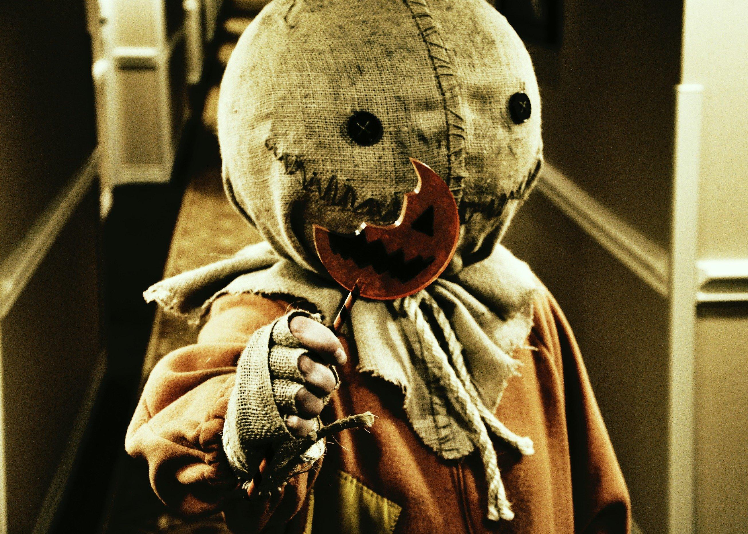 trick r treat horror thriller dark halloween movie film (29
