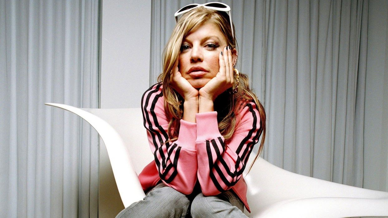 women Fergie celebrity TagNotAllowedTooSubjective wallpaper