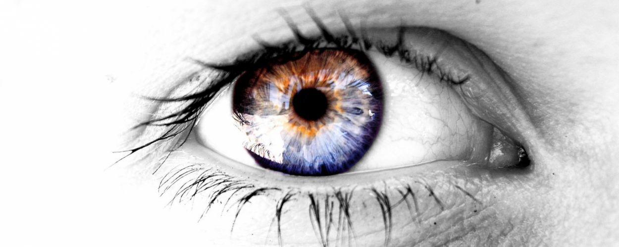 eyes selective coloring wallpaper