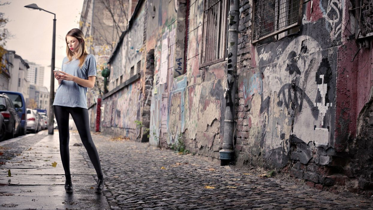 blondes women cityscapes streets fashion wet lips graffiti leggings wallpaper