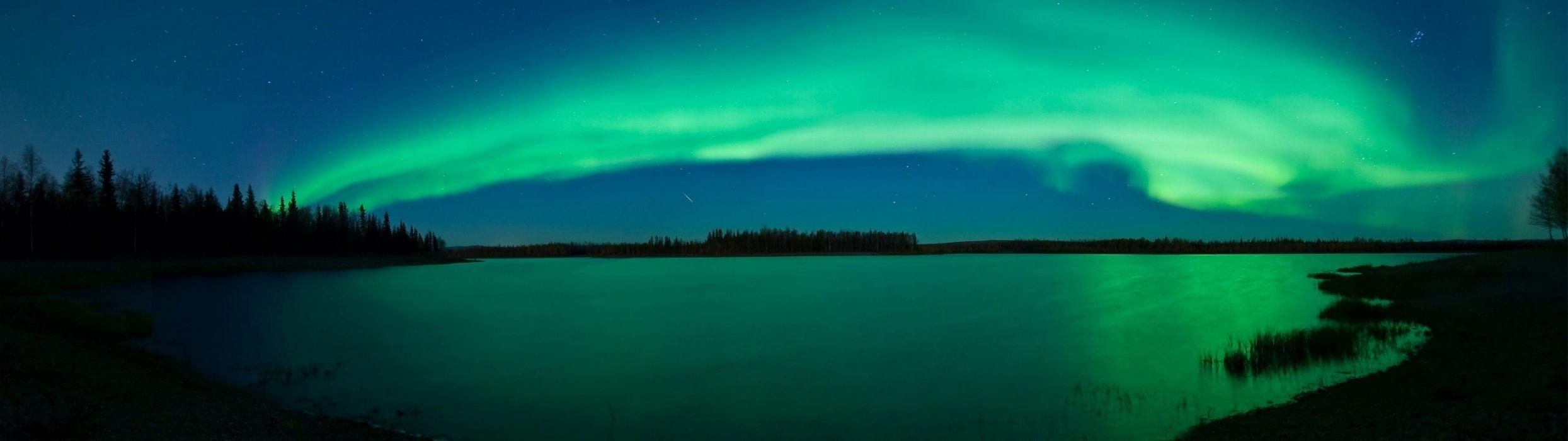 aurora borealis lakes wallpaper