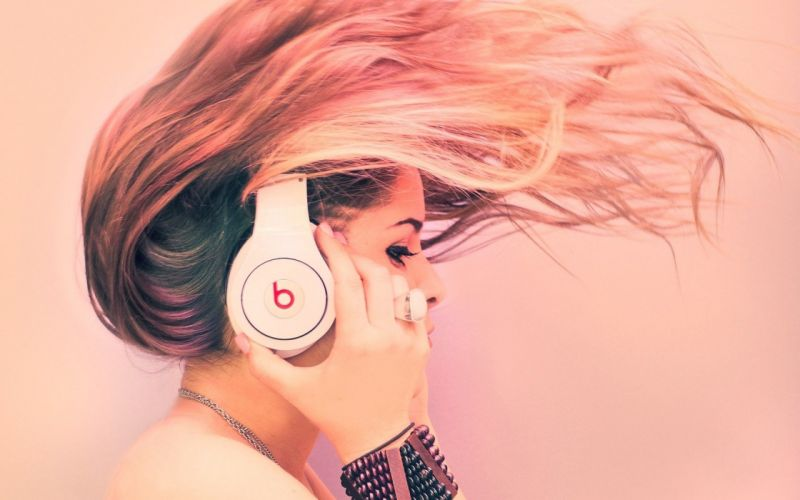 headphones brunettes women beats pink background wallpaper