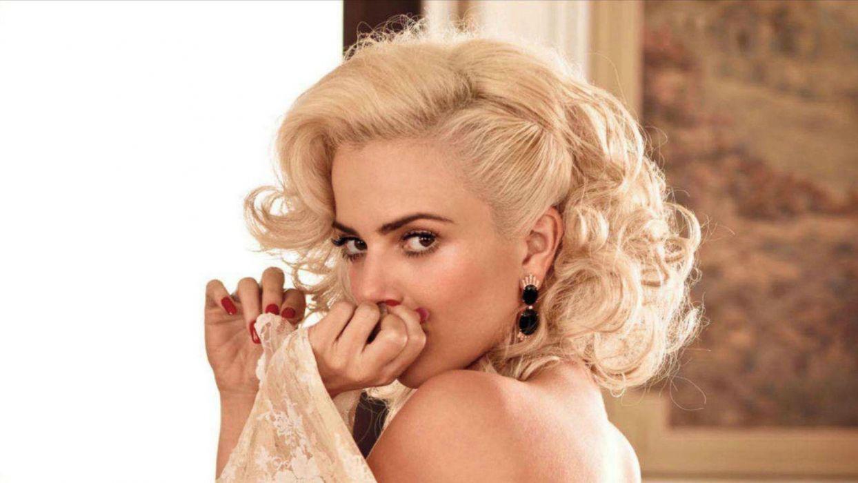 Brazilian Playmates Ele blondes women eyes back models playboy magazine brazil playmates