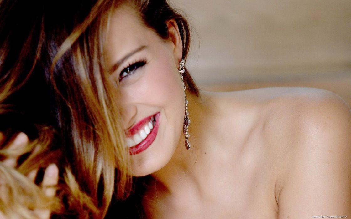 women Petra Nemcova earrings Femme Fatales top model wallpaper