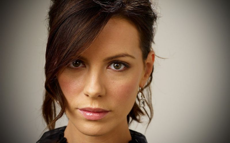 brunettes women close-up actress Kate Beckinsale British faces wallpaper