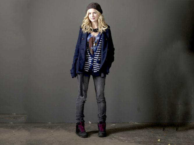 blondes women jeans hats Britt Robertson wallpaper