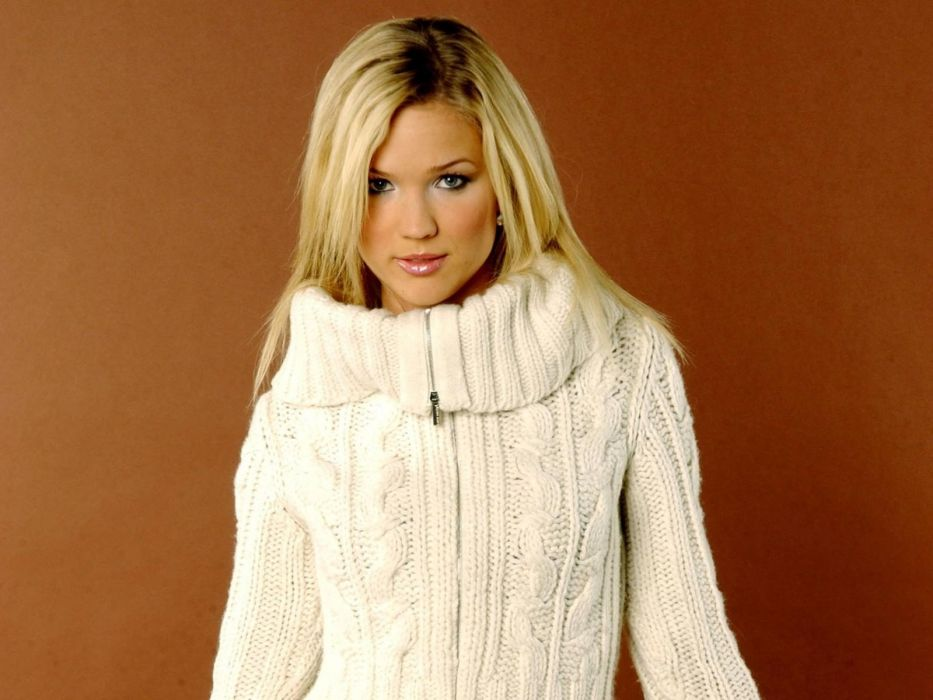 Marie Serneholt sweaters wallpaper
