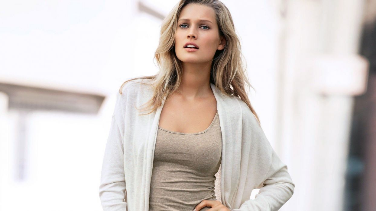 blondes women Toni Garrn wallpaper